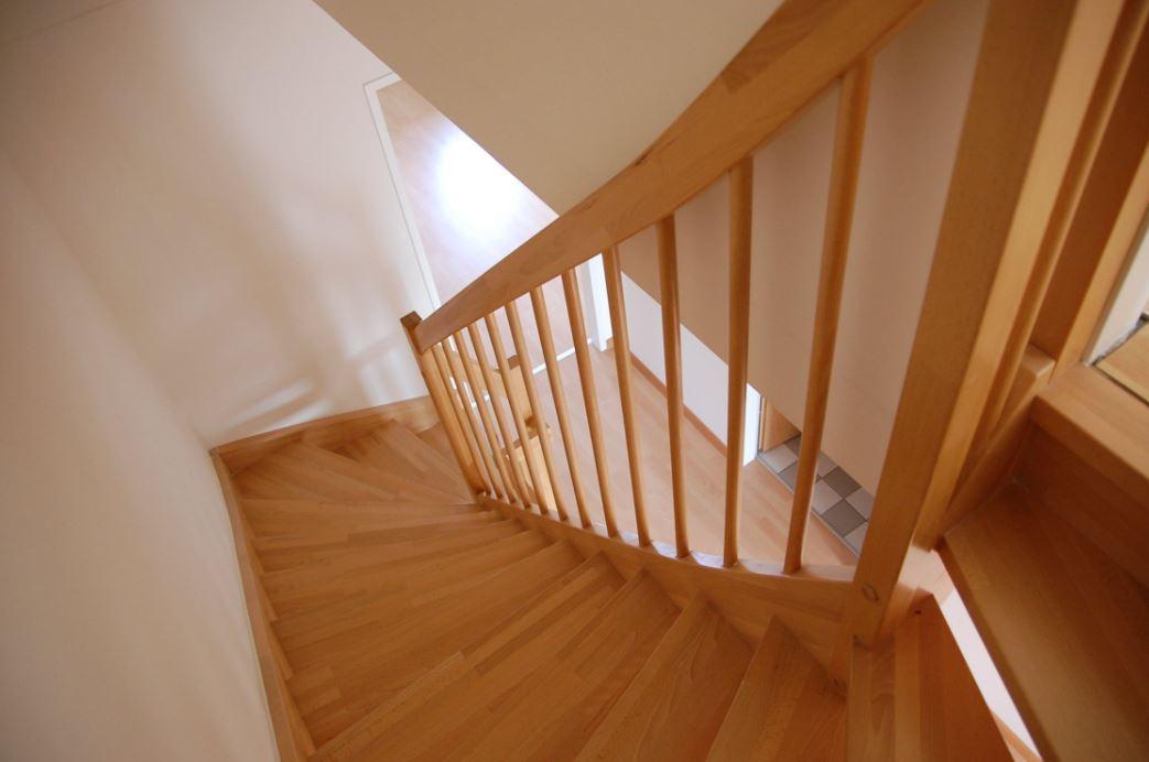 Lassen Sie sich eine individuelle Treppe anfertigen
